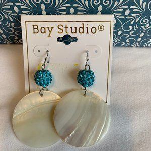❤️ 6/$25. BAY STUDIO EARRINGS W/ROUND PEARL SHELL
